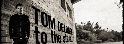 banner Tom Delonge
